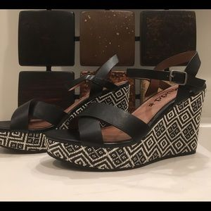 5ca0ac1cb3d Women s Mudd Sandals Kohls on Poshmark